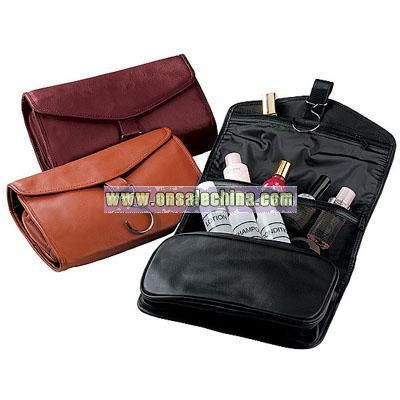 Royce Leather Hanging Toiletry Bag