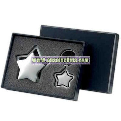 Gift set with silver star card holder and key ring