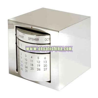 Polished silver perpetual calendar