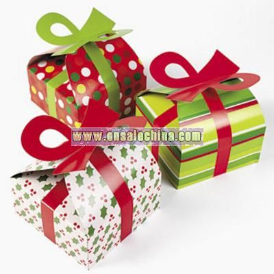3-D Christmas Gift Boxes With Bow
