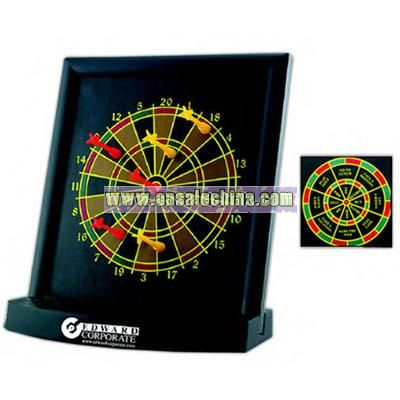 Executive desktop dart board with 6 darts.