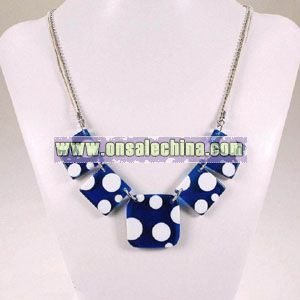 Elegant Necklace Decoration