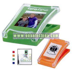 Photo magnet clip