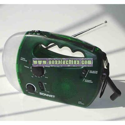 AM / FM radio lantern operates with hand crank dynamo or solar power