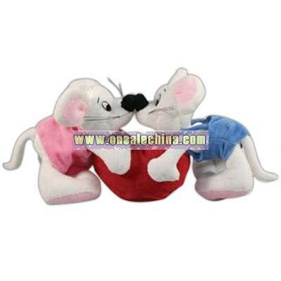 Plush kissing valentine mice