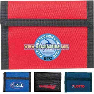 Bi-fold wallet made of 420 denier nylon