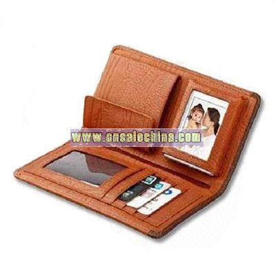 Wallet with digital photo frame