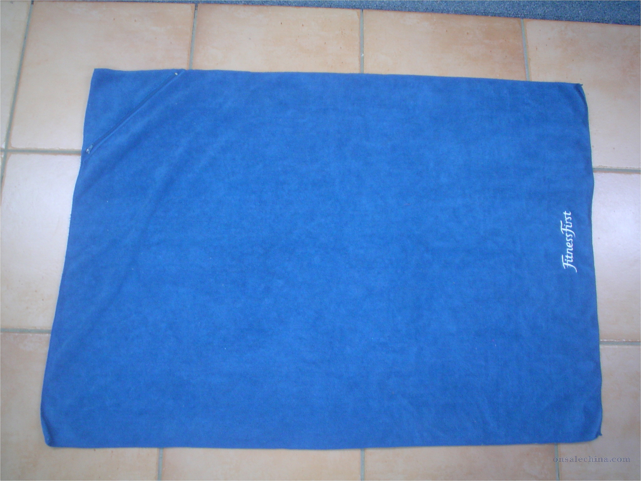 Towel with Zippered Pocket